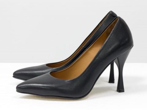 Дизайнерские туфли лодочки на высоком  каблуке из натуральной итальянской кожи черного цвета,  Т-2107-01
