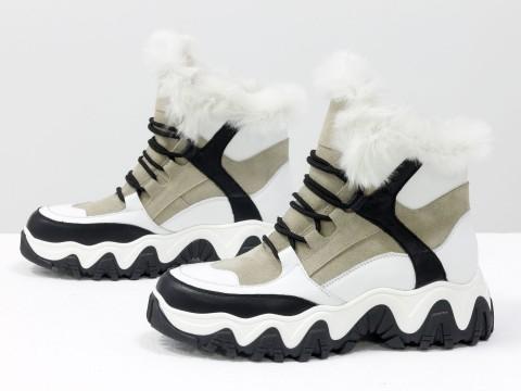 Зимние спортивные ботинки с ярко-белым эко-мехом из бежевой замши и вставками белой и черной кожи, Б-20106-03