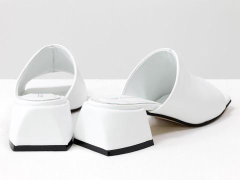 Дизайнерские белые шлепанцы на устойчивом каблуке из натуральной итальянской кожи
