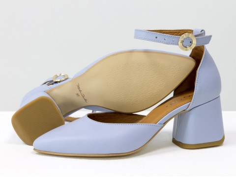 Женские классические туфли с ремешком из натуральной кожи небесно-голубого цвета
