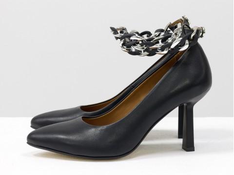 Дизайнерские туфли лодочки на  каблуке из натуральной итальянской кожи черного цвета,  Т-2115-01