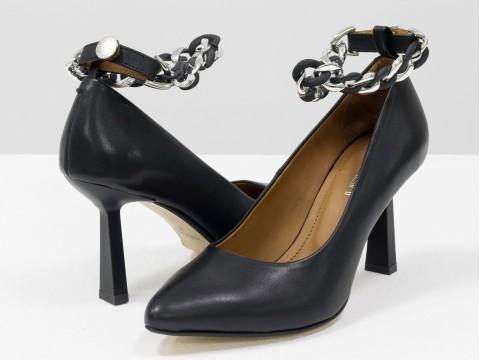 """Дизайнерские туфли-лодочки на невысоком каблуке """"рюмочка"""" из натуральной итальянской кожи с цепочкой,  Т-2115-01"""