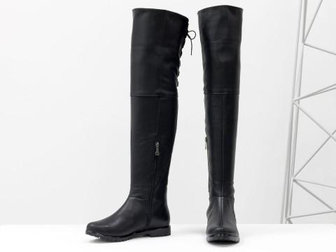 Высокие сапоги ботфорты из натуральной черной кожи на низком ходу