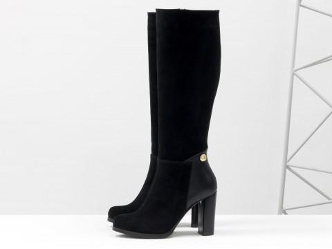 Классические сапоги на каблуке черного цвета из замши, М-17401-01