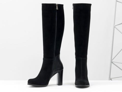 Классические сапоги на каблуке из натуральной кожи и замши черного цвета