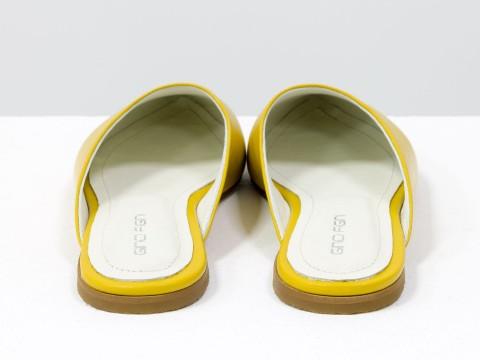 Женские желтые мюли из натуральной кожи на низком ходу