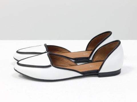 Туфли лодочки из белой и черной кожи, Д-24-01