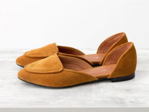 Женские рыжие туфли на низком ходу из замши с удлиненным носиком