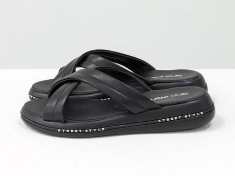 Летние шлепанцы черные из натуральной кожи на удобной подошве черного цвета