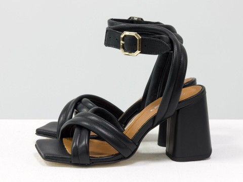 Дизайнерские черные босоножки на расклешенном каблуке выполнены из натуральной итальянской кожи, С-2042-01