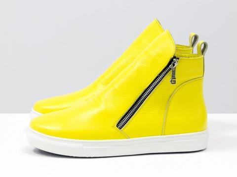 Женские желтые ботинки с молниями по бокам на белой подошве, Б-407-27