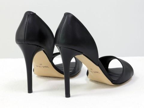Черные босоножки из натуральной кожи на каблуке - шпилька