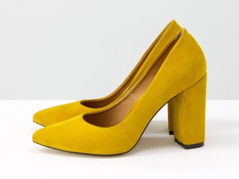 Горчичные туфли из натуральной горчичной замши на каблуке, Д-35-02