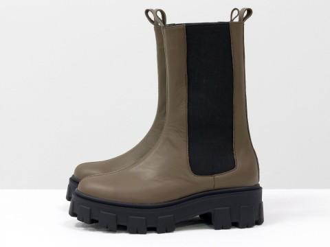 """Высокие  ботинки """"челси"""" из кожи цвета молочный шоколад на тракторной подошве, Б-2078-05"""