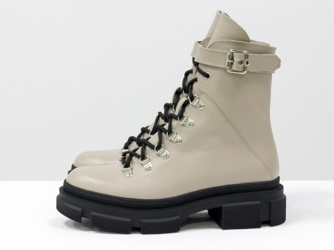 Женские  ботинки из натуральной бежевой кожи на тракторной подошве, Б-2065-06