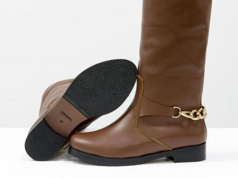 Коричневые женские осенние сапоги из натуральной кожи на маленьком каблуке