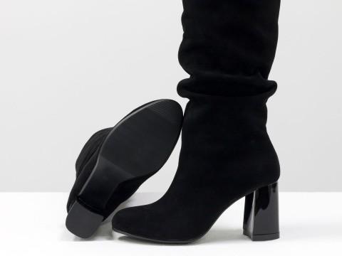 Сапоги с гармошкой из натуральной черной замши на глянцевом каблуке
