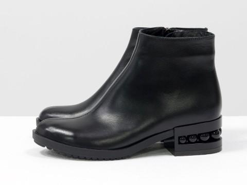 Черные ботинки женские из кожи на каблуке с черным жемчугом, Б-1833-01