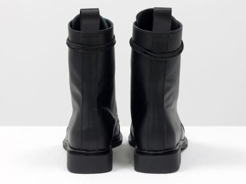 Женские черные классические ботинки из натуральной кожи с лаковым носочком