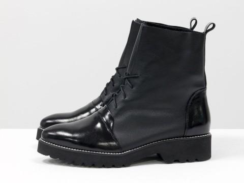 Женские ботинки черного цвета из натуральной  кожи со шнуровкой , Б-17331-01