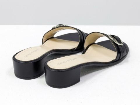 Летние шлепки-сабо из натуральной черной кожи на каблуке