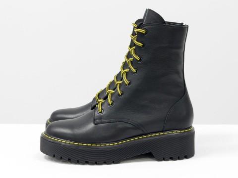 Женские  ботинки из натуральной  черной кожи на тракторной подошве в стиле Dr. Martens, Б-2069-04