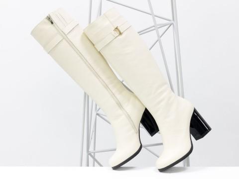Высокие женские сапоги на каблуке из натуральной кожи флотар молочного цвета, М-17405-05,