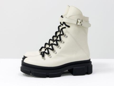 Женские  ботинки из натуральной молочной кожи на тракторной подошве, Б-2065-04