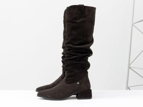 Cапоги из натуральной темно-коричневой замши на маленьком каблуке, М-2083-03
