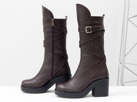 Женские бордовые сапогииз натуральной кожи на невысоком каблуке