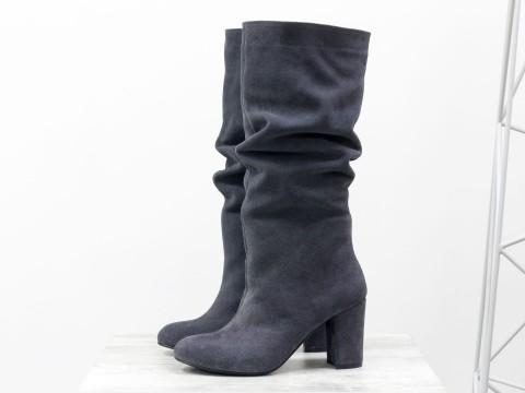 Серые замшевые сапоги на невысоком каблуке, М-17400/1-05