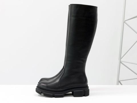 Cапоги из черной натуральной кожи  на  утолщенной тракторной подошве, М-2064-01