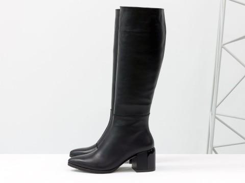 Cапоги из черной натуральной кожи с острым носом на глянцевом каблуке каблуке, М-2063-01