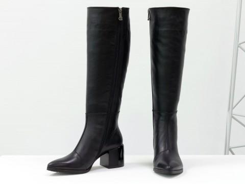 Осенние сапоги черного цвета из натуральной кожи  на устойчивом глянцевом каблуке, М-2063-01