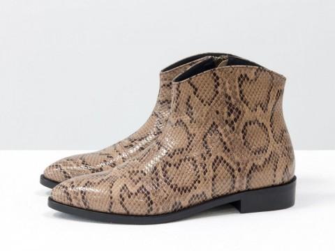 """Стильные ботинки с удлиненным носиком из эксклюзивной бежевой кожи """"рептилия """""""