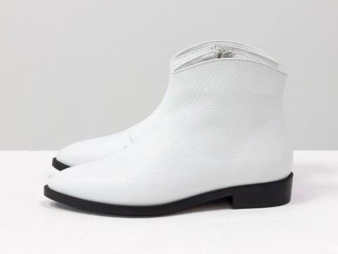 """Белые ботинки на низком ходу из натуральной кожи с текстурой """"питон"""