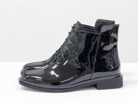 Классические ботинки черного цвета из натуральной лаковой кожи