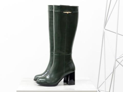 Классические женские сапоги из зеленой кожи на глянцевом каблуке каблуке , М-17346/1-03