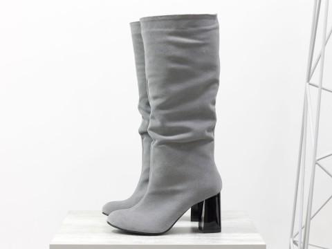 Сапоги с гармошкой из замши серого цвета на каблуке,  М-17400/2-02