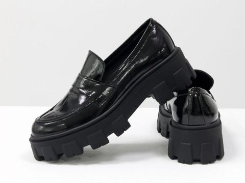 Женские  туфли на тракторной подошве из натуральной лаковой кожи, Т-2052-07