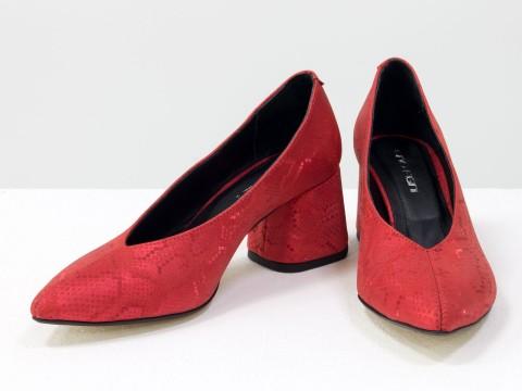 Дизайнерские туфли-перчатки на невысоком обтяжном каблуке из натуральной итальянской кожи красного цвета,  Т-2050-17