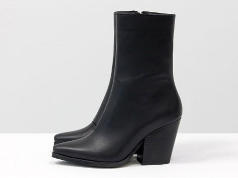 Дизайнерские базовые ботильоны  черного цвета из натуральной кожи на высоком каблуке, Б-20101-01