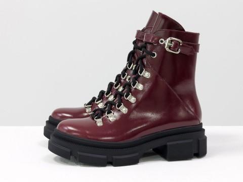Женские  ботинки из лаковой бордовой кожи на тракторной подошве, Б-2065-01