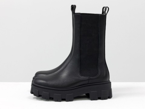 """Высокие  ботинки """"челси"""" из черной кожи на тракторной подошве, Б-2078-01"""