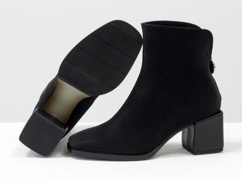 Женские  ботинки из натуральной черной бархатной кожи на квадратном обтяжном каблуке, Б-2076-01