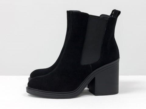 Ботинки свободного одевания черного цвета из натуральной замши с широкой резинкой, Б-17330-02