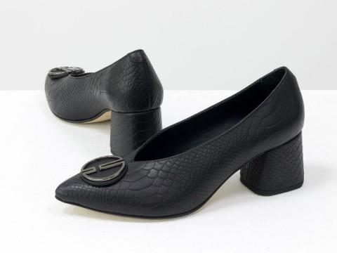 Дизайнерские туфли-перчатки на невысоком обтяжном каблуке из натуральной итальянской кожи черного цвета с фурнитурой,  Т-2050-15