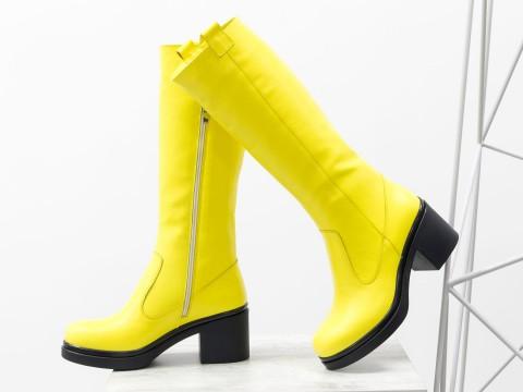 Женские ярко-желтые сапоги из натуральной кожи