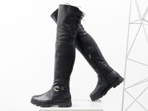 Высокие Ботфорты из натуральной кожи черного цвета с текстурой питон со шнуровкой на утолщенной подошве, М-17084-04