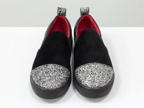 Женские слипоны черный замш серебряный носок на черной подошве